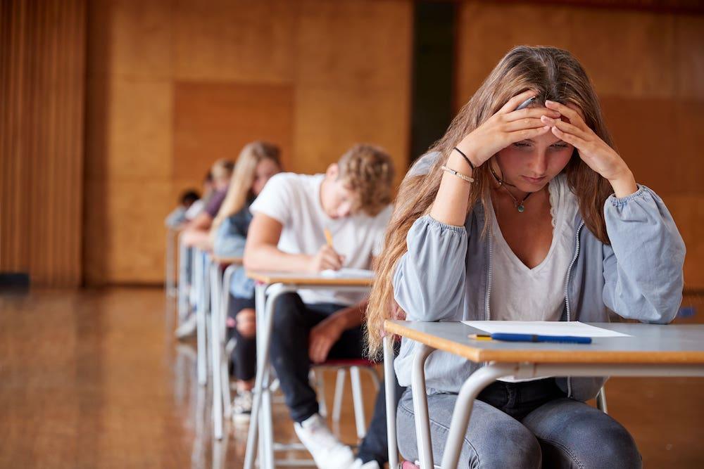 érettségi, aggódó diák